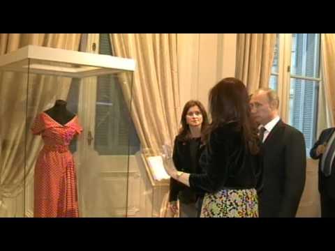 12 de JUL. Cristina Fernández y Vladimir Putin recorrieron la Casa Rosada.