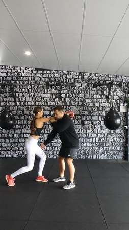 """Isabelle Cornish on Instagram I recently teamed up with PABLO from Counterpunching Boxing studio in Byron Bay In this video we teach you the fundamentals of boxing …"""""""