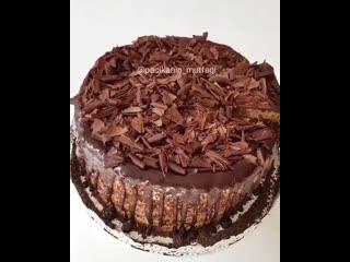 Нежный и пышный бисквитный тортик.
