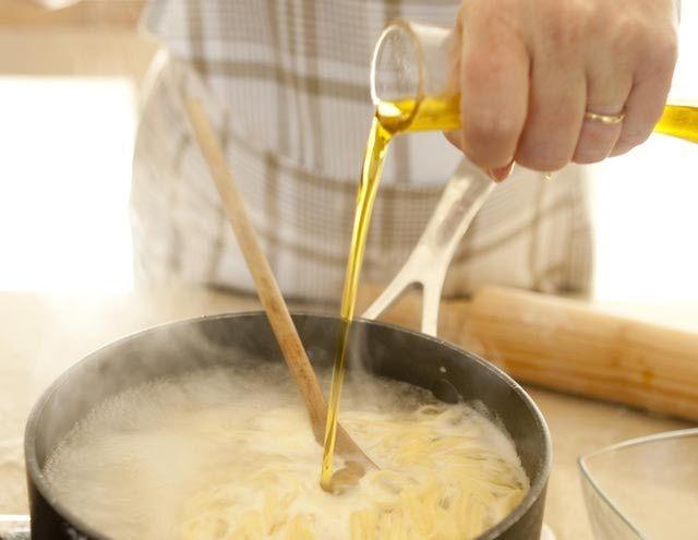 Жидкое золото: почему не стоит выливать воду из-под макарон