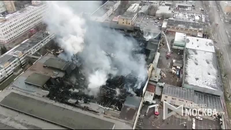 Полетали над складами сгоревшими вчера у Пражской Сгорело не все но там где прошел огонь до сих дымит и идет проливка руин