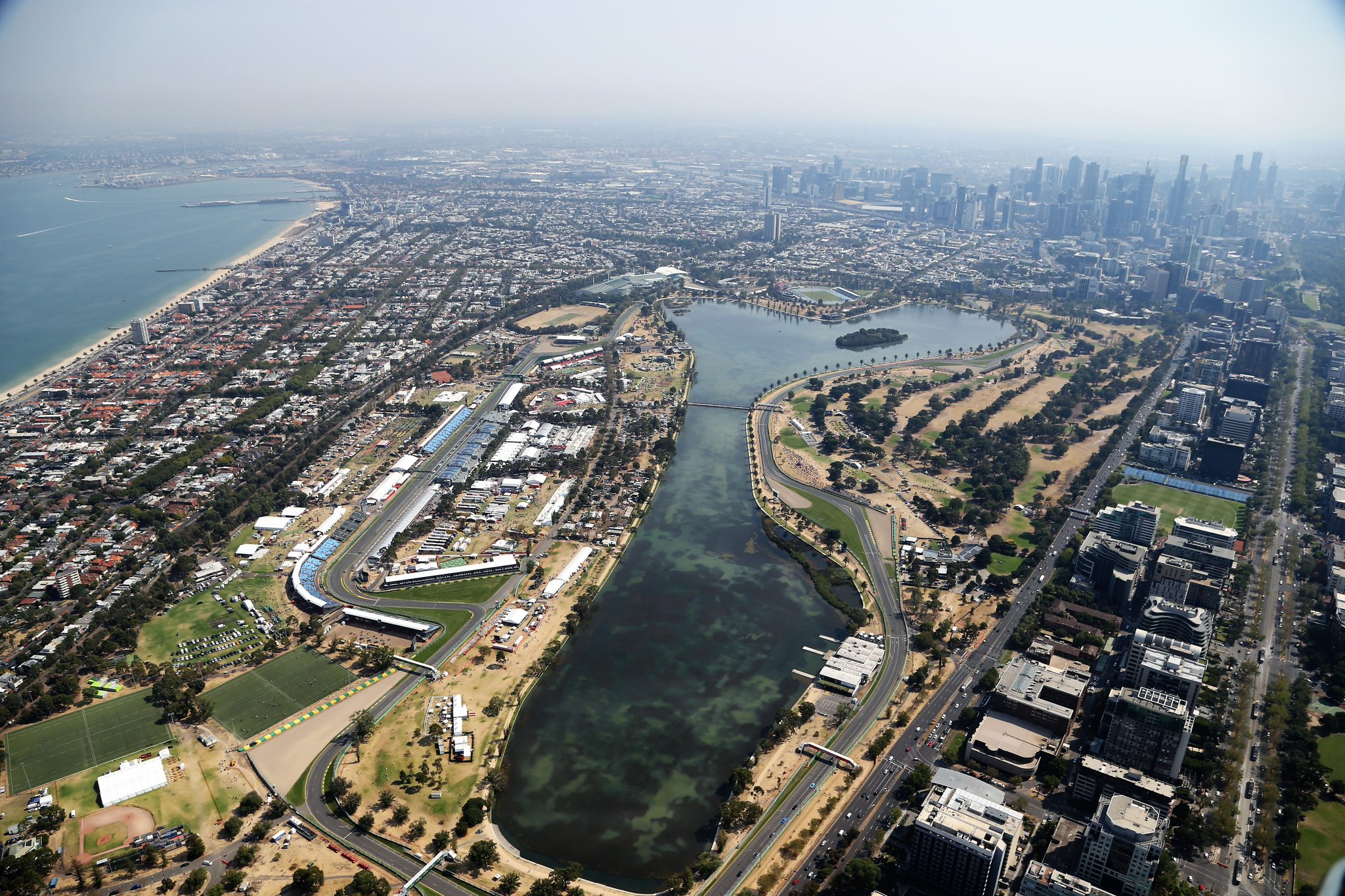Автодром Альберт-Парк в Мельбурне с высоты птичьего полёта