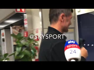 Video of the interview with maldini after arriving from madrid.