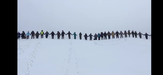 В ответ на угрозы о ликвидации лагеря 18.11.19, активисты продемонстрировали единение