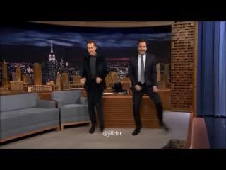 Бенедикт Камбербэтч и Джимми Фэллон танцуют