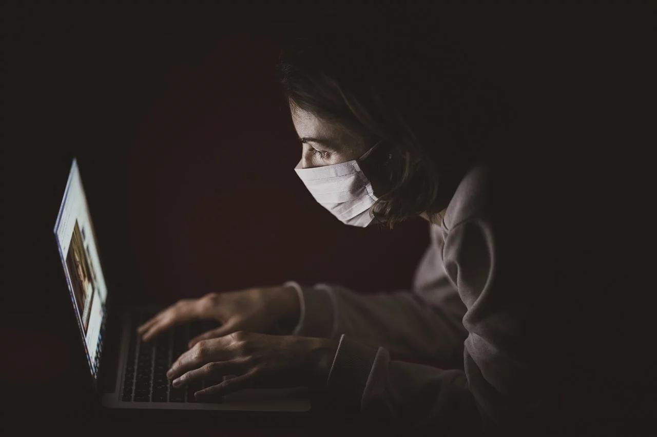 Россия оказалась на восьмом месте в мире по числу зараженных коронавирусом