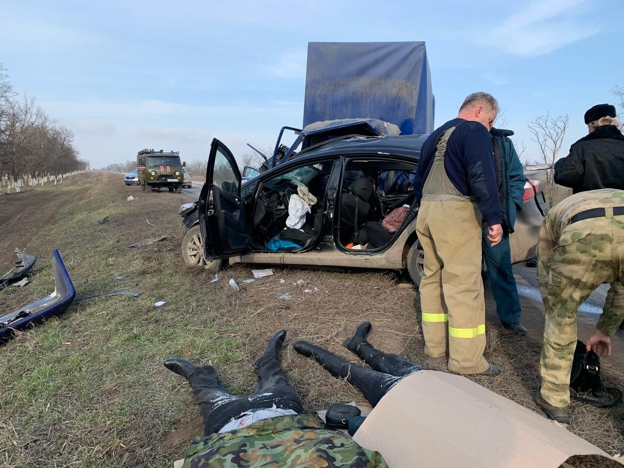 Сегодня под Таганрогом в ДТП погибли три человека