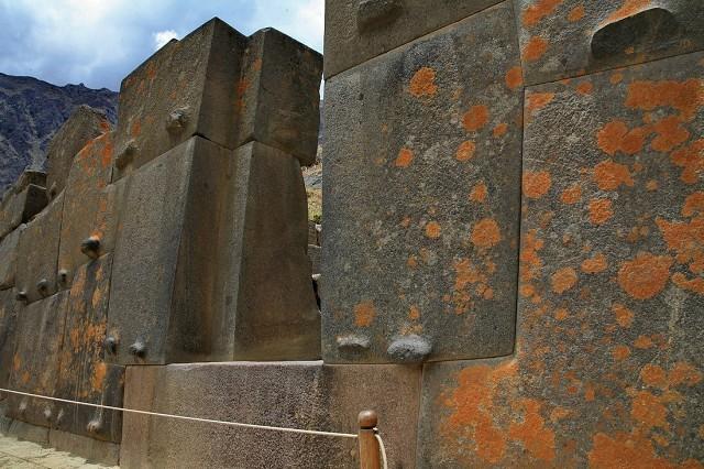 Полигональная кладка Ольянтайтамбо