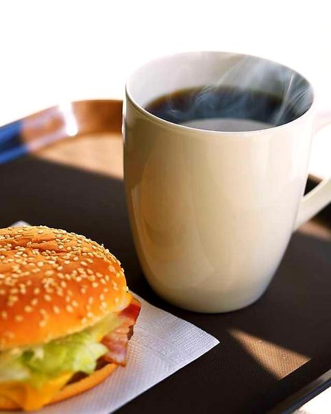 красивое фото бутерброд с кофе воля это