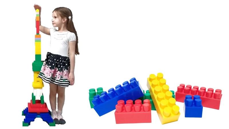 Эйфелева башня из детского конструктора