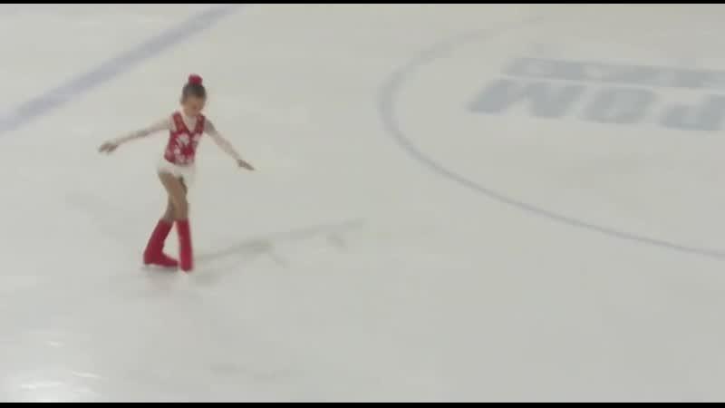 Настена год на коньках