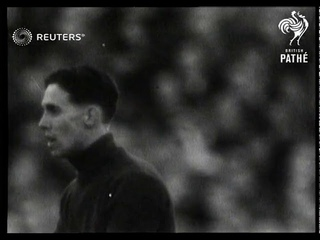 FOOTBALL: 1949 FA Cup Final: Wolverhampton Wanderers v Leicester City (1949)
