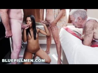 Три старика под коксом трахают шлюху порно оргия минет анальный секс куни группо