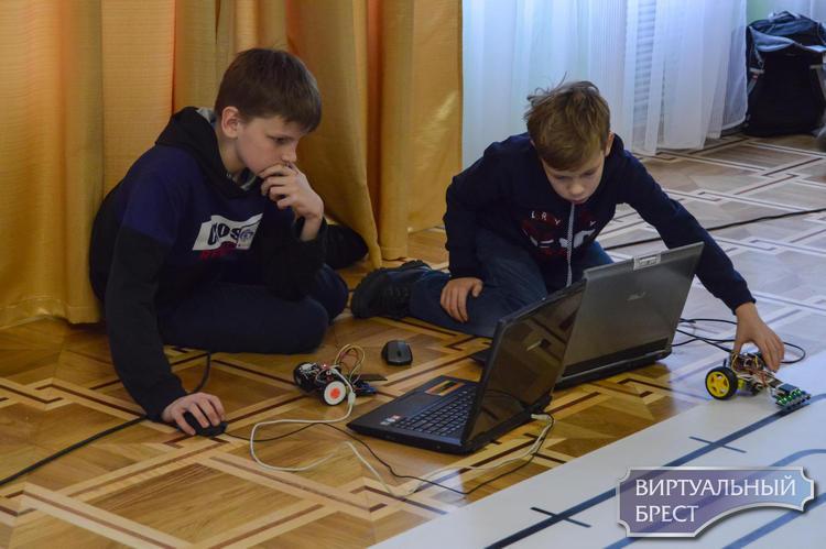 В Бресте прошел VI областной открытый турнир робототехники «РобоФэст»