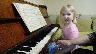 Ярослава Лемешкина, 3 года. Сольфеджирование (открытый урок)