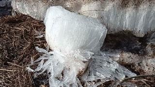 Почему опасен весенний лёд? Наглядный пример