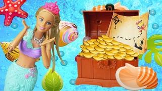 Qu'est-ce que Barbie a trouvé au fond de la mer? Vidéo pour enfants avec poupées.