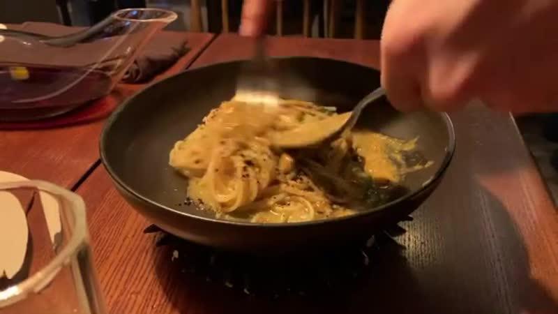 (04.12.19) Топ с родными на праздновании дня рождения мамы в итальянском ресторане «Osteria Orzo» в Сеуле.
