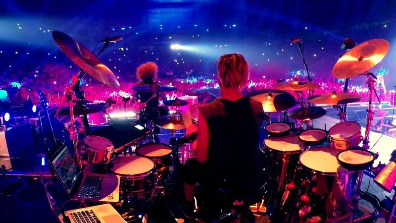 Brendan Buckley w Shakira Waka Waka live Barcelona 7 6 18