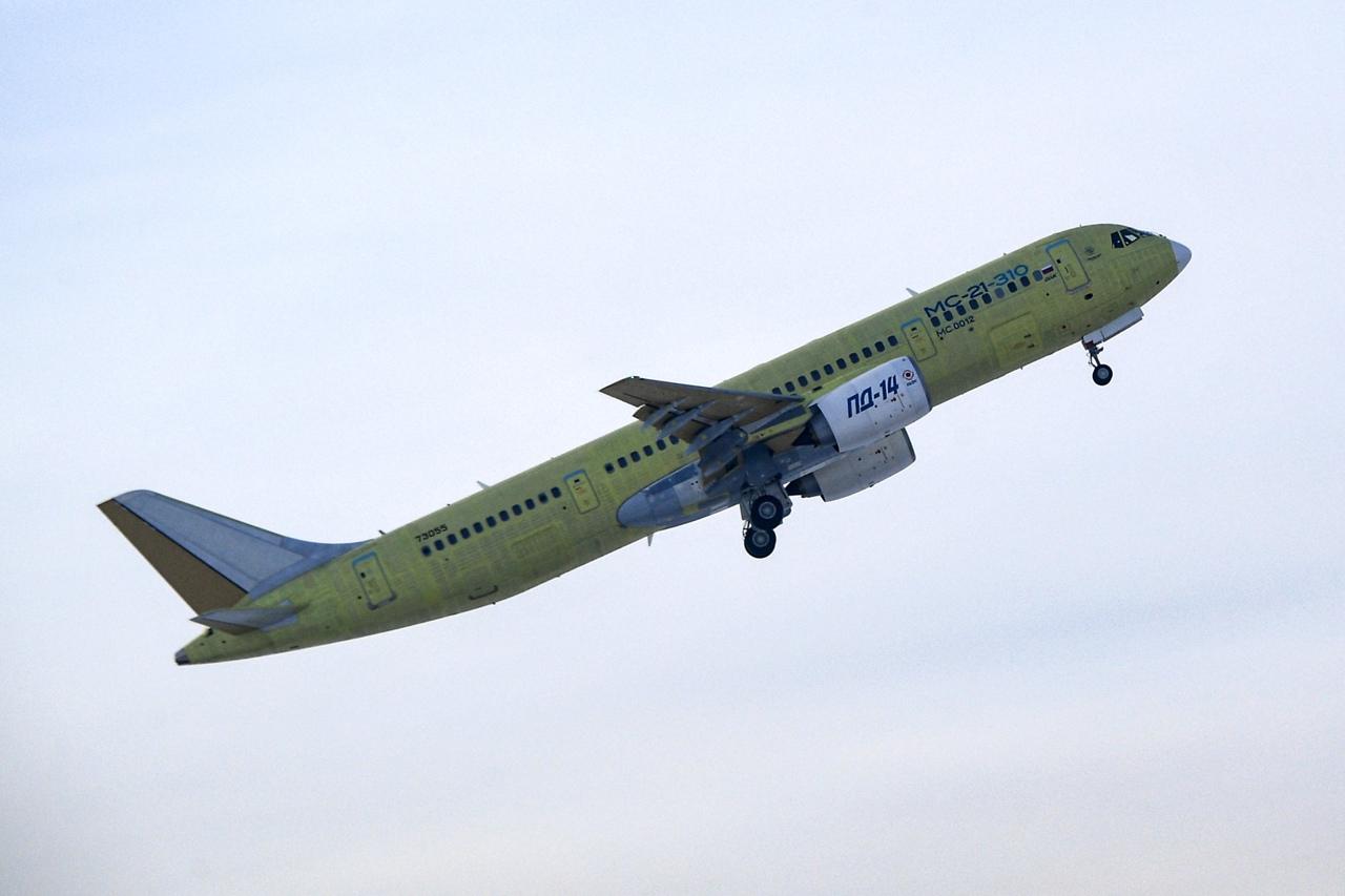 طائرة ركاب روسية جديدة تكمل أولى رحلاتها - صفحة 2 MEFFBS6jaHs