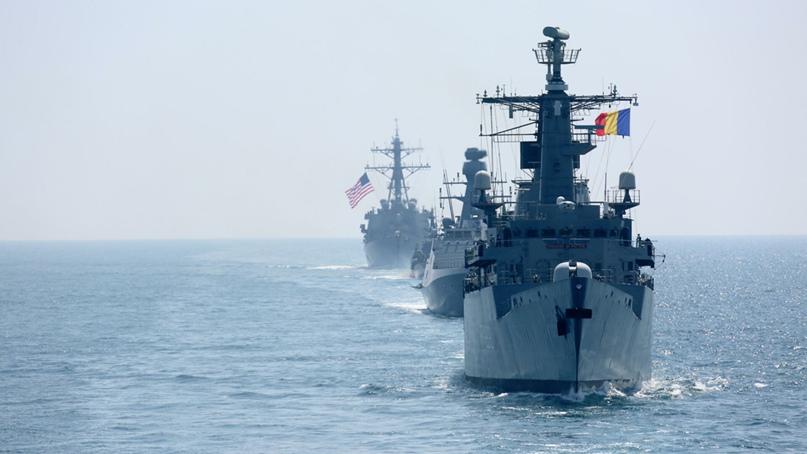 """""""Они уже перебрасывают корабли и самолеты"""": что происходит в Черном море, изображение №1"""