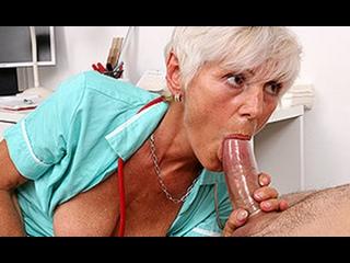 ПОРНО -- ЕЙ 47 -- ПАРЕНЬ ПРИШЁЛ CДАВАТЬ СПЕРМУ  -- porn sex milf mature sex --