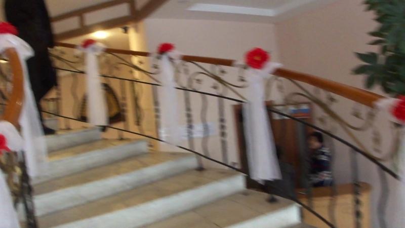 красная свадьба с белыми цветами3 оформление свадьбы Владивосток