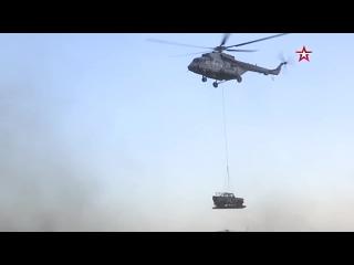 Вертолеты Ми-8АМТШ перебросили автомобили УАЗ на внешней подвеске на учении «Центр 2019»