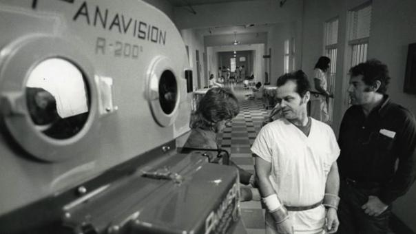 Джек Николсон на съемках культовой драмы «Пролетая над гнездом кукушки, 1975 год