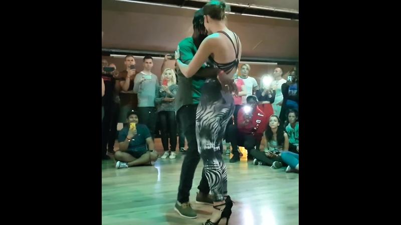 Gwany Liliana de Lima, Dj Derick Banks - Marque Tarraxo