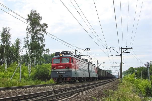 Электровоз ВЛ10-1416 с четным грузовым поездом про...