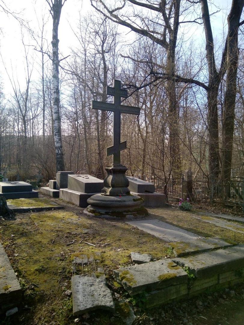 Экспедиция на Малоохтинское кладбище Санкт-Петербурга