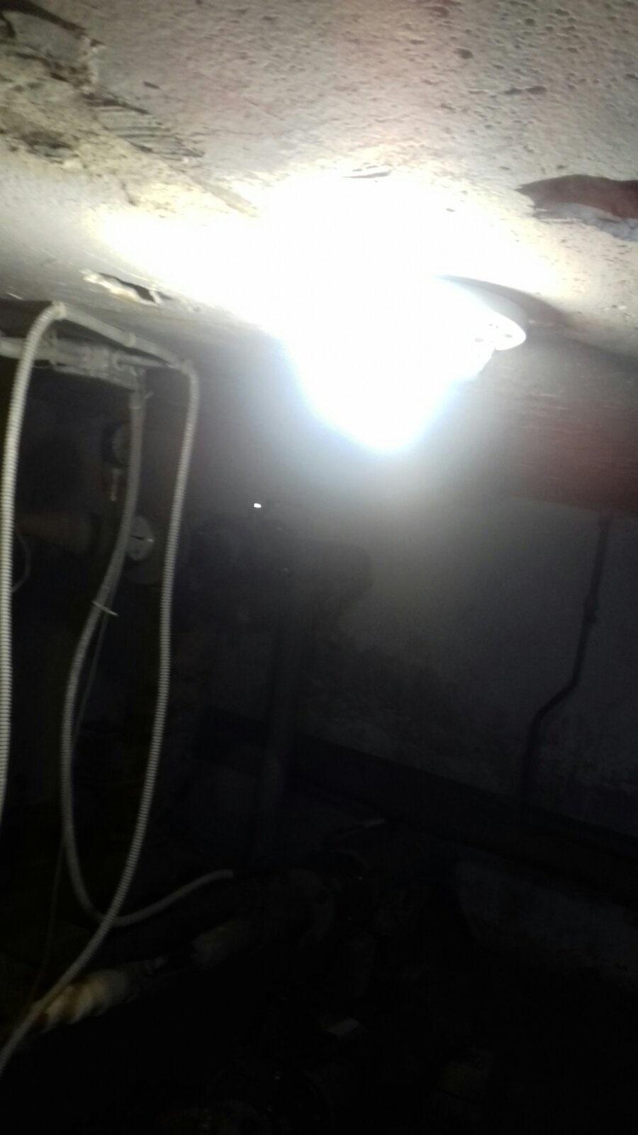 Чернышевского 34, подвал, замена лампы СВД, ремонт