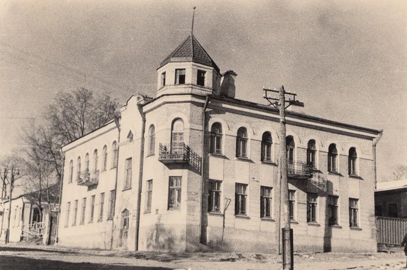 «Дом ротмистра Могилевцева» на улице Введенской, изображение №5