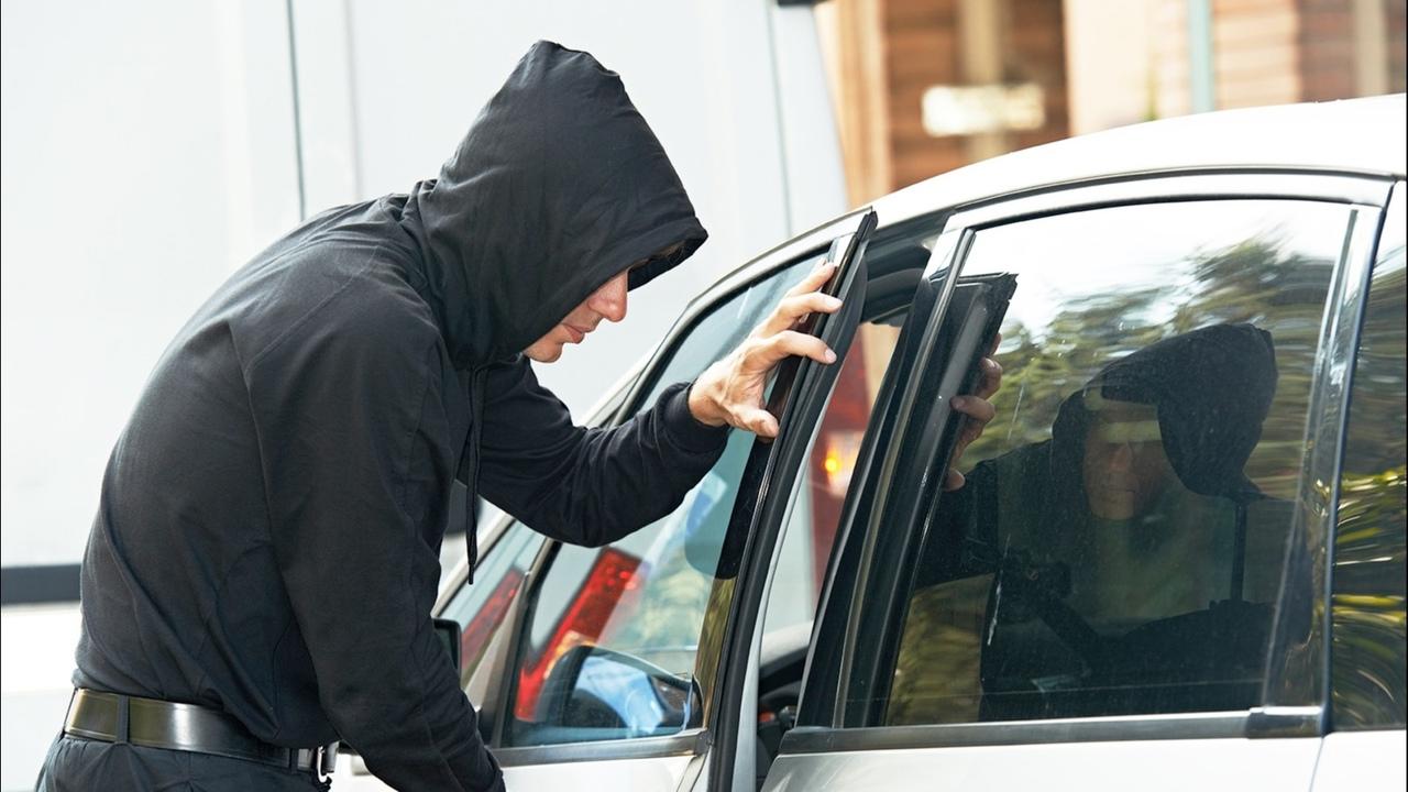 Таганрогские полицейские задержали автоугонщика