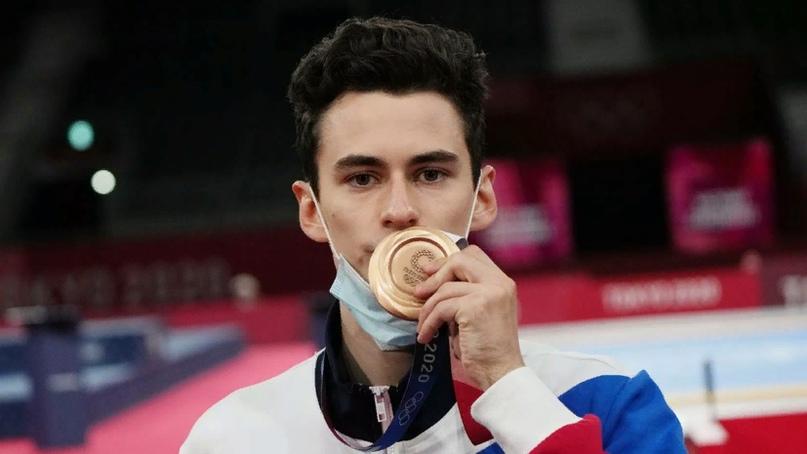Артамонов провел два часа на допинг-контроле после завоевания бронзы на ОИ-2020