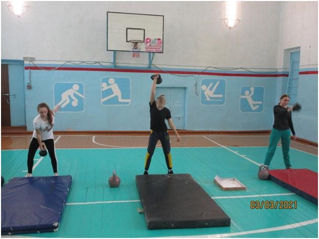 Открытые соревнования по гиревому спорту среди девушек., изображение №1