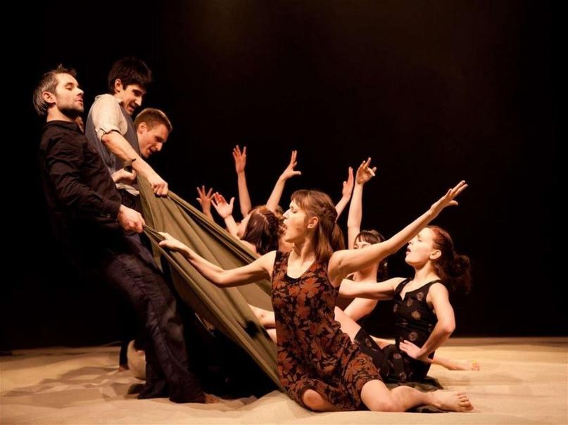 В помощь руководителю самодеятельного театрального коллектива: Творческая атмосфера, изображение №3