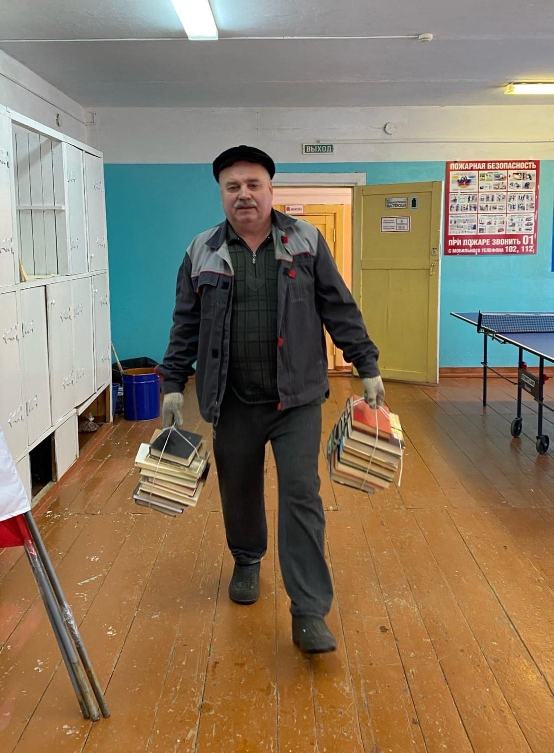 6 апреля трудовой десант в лице Можгинской
