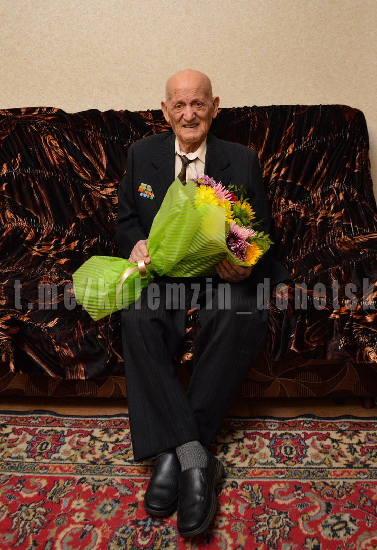 Алексей Кулемзин поздравил ветерана ВОВ со 100-летним юбилеем