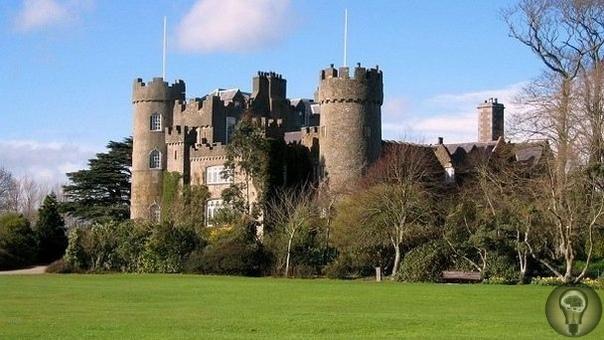 Призраки замка Малахайд Замок Малахайд, расположенный в Ирландии, существует около 800 лет. Почти все это время поместье принадлежало аристократической семье Талбот. Комплекс старинных зданий,