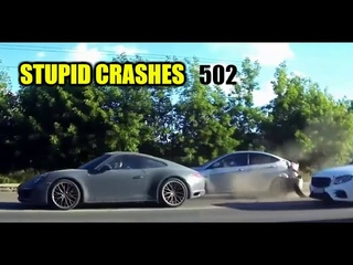 Stupid driving mistakes 502 (July 2020 English subtitles)