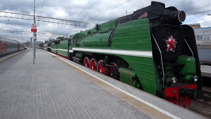 Прибытие паровозов П36-0120 и П36-0110