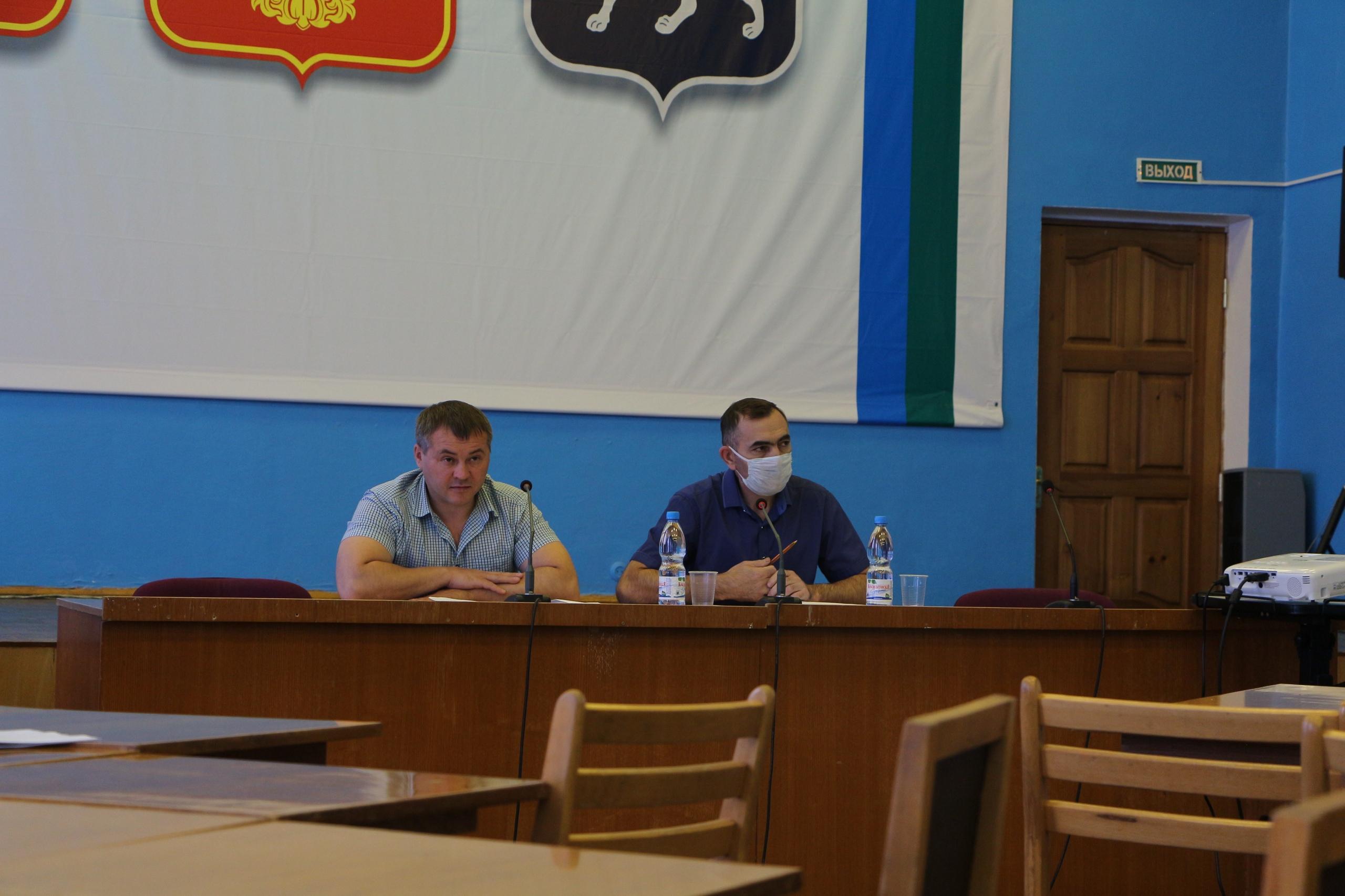 Депутаты Совета внесли изменения и дополнения в бюджет района