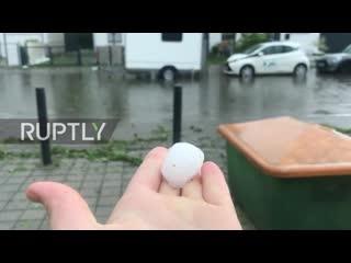 В Баварии прошёл град размером с теннисный мяч