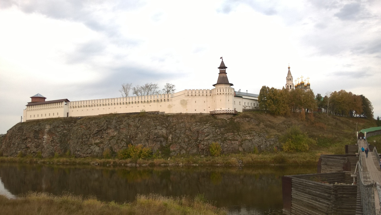 Через реку Тура - Верхотурский кремль