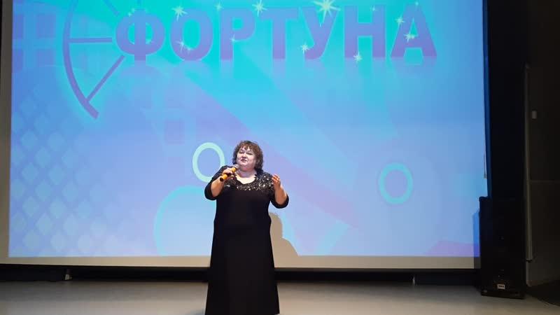 Валентина Булычева представитель ГОО русского народа Русский дом с песней Белый танец