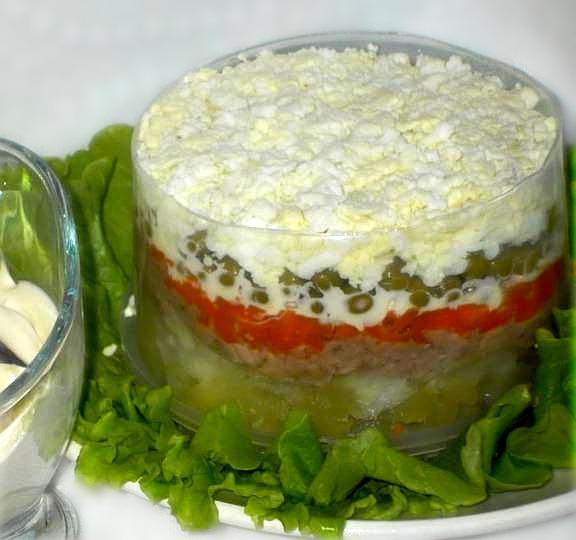 Салат слоями с печенью трески, изображение №7