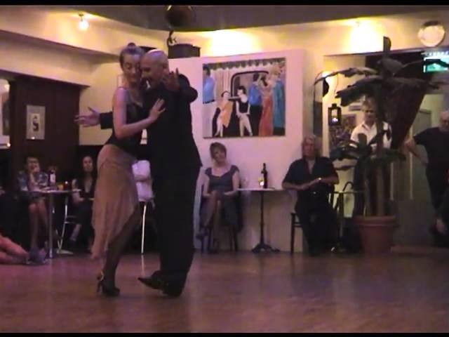 Jorge Firpo y Marianne 2011 3 El Rey Del Bosque F Canaro