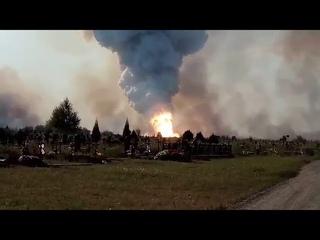 В Донецке горят склады ДКЗХИ